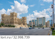 Купить «Baku - July 18, 2015: Government House in Azerbaijan, Baku. Gove», фото № 32998739, снято 18 июля 2015 г. (c) Elnur / Фотобанк Лори