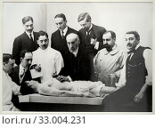 'Dissection Class Given by Santiago Ramón y Cajal', 1915, Alfonso Sanchez García (1880-1953) (2019 год). Редакционное фото, фотограф Artelan / age Fotostock / Фотобанк Лори