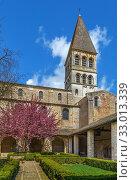 Saint Philibert Abbey Church, Tournus, France (2019 год). Стоковое фото, фотограф Boris Breytman / Фотобанк Лори