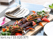 Kebab with vegetables and pita bread - traditional Turkish dish. Cooked on fire. Стоковое фото, фотограф Володина Ольга / Фотобанк Лори