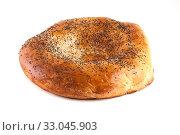 Купить «Узбекская лепёшка на белом фоне», фото № 33045903, снято 30 ноября 2019 г. (c) Литвяк Игорь / Фотобанк Лори