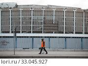 Купить «Санкт-Петербург. Спортивно-концертный комплекс (СКК) после обрушения.», фото № 33045927, снято 4 февраля 2020 г. (c) Евгений Кашпирев / Фотобанк Лори