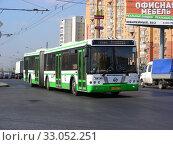 Автобус №706 на рейсе. Носовихинское шоссе. Район Новокосино. Город Москва (2014 год). Редакционное фото, фотограф lana1501 / Фотобанк Лори
