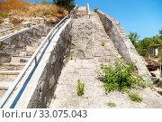 Купить «Staircase in the fortress of Kerch, Crimea», фото № 33075043, снято 29 июня 2019 г. (c) Владимир Арсентьев / Фотобанк Лори