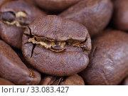 Кофейные обжаренные зерна, крупный план. Стоковое фото, фотограф Игорь Долгов / Фотобанк Лори
