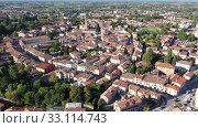 Купить «Picturesque aerial view of Portogruaro cityscape in sunny summer day, Italy», видеоролик № 33114743, снято 4 сентября 2019 г. (c) Яков Филимонов / Фотобанк Лори