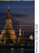 Купить «Der Wat Arun Tempel in der Stadt Bangkok in Thailand in Suedostasien.», фото № 33128123, снято 28 мая 2020 г. (c) PantherMedia / Фотобанк Лори