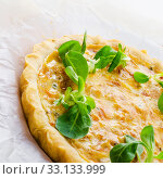onion tart. Стоковое фото, фотограф Dzinnik Darius / PantherMedia / Фотобанк Лори
