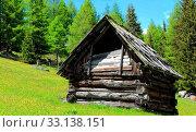 Old Heu Hut on the alpine pasture - Rennweg Wirnsberg. Стоковое фото, фотограф Zoltan Okolicsanyi / PantherMedia / Фотобанк Лори