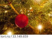Купить «christmas tree ball», фото № 33149659, снято 18 февраля 2020 г. (c) PantherMedia / Фотобанк Лори
