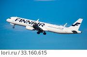 Купить «Finnair Airbus A321 OH-LZN taking off from Barcelona Airport», фото № 33160615, снято 2 февраля 2020 г. (c) Яков Филимонов / Фотобанк Лори