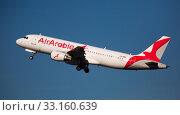 Купить «Air Arabia Airbus A320 CN-NMG taking off from Barcelona Airport», фото № 33160639, снято 2 февраля 2020 г. (c) Яков Филимонов / Фотобанк Лори