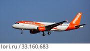 Купить «EasyJet Airbus G-EZTK landing in El Prat Airport», фото № 33160683, снято 24 января 2020 г. (c) Яков Филимонов / Фотобанк Лори