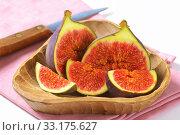 Fresh ripe figs. Стоковое фото, фотограф Alena Dvorakova / PantherMedia / Фотобанк Лори