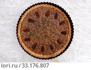 Купить «Pecan pie fresh from the oven», фото № 33176807, снято 5 июля 2020 г. (c) PantherMedia / Фотобанк Лори