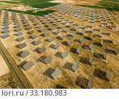 Купить «Solar power station. Solar panels in the desert», фото № 33180983, снято 9 марта 2019 г. (c) Яков Филимонов / Фотобанк Лори