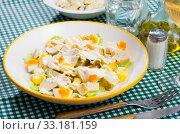 Salad with chicken and pineapple. Стоковое фото, фотограф Яков Филимонов / Фотобанк Лори