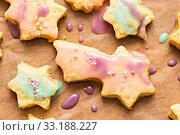 Купить «Colorfully decorated cookies», фото № 33188227, снято 5 июля 2020 г. (c) PantherMedia / Фотобанк Лори