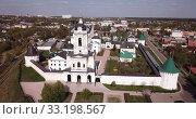 Купить «Aerial view of Vysotsky monastery in Serpukhov city, Russia region», видеоролик № 33198567, снято 1 мая 2019 г. (c) Яков Филимонов / Фотобанк Лори