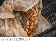 Simit, Nicely Baked Traditional Turkish Bagel with Sesame. Стоковое фото, фотограф Sebnem Koken / PantherMedia / Фотобанк Лори