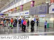 Купить «Зона вылета международного аэропорта Пекина, Китай», фото № 33212071, снято 20 февраля 2012 г. (c) Александр Гаценко / Фотобанк Лори