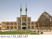 The Amir Chakhmaq Mosque complex at Yadz,  Iran. The mosque is located in a square with the same name. Стоковое фото, фотограф Maurizio Bersanelli / PantherMedia / Фотобанк Лори