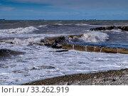 Купить «Краснодарский край, Туапсе, зимний шторм на Чёрном море», фото № 33262919, снято 26 февраля 2020 г. (c) glokaya_kuzdra / Фотобанк Лори