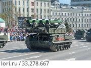 Купить «Российская пусковая установка зенитного ракетного комплекса «БУК-М2» (SA-17 Grizzly) едет после парада в честь Дня Победы по Новому Арбату, Москва», фото № 33278667, снято 9 мая 2018 г. (c) Малышев Андрей / Фотобанк Лори