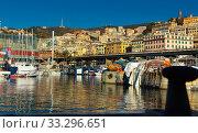 Купить «Old sea port of Genoa», фото № 33296651, снято 4 декабря 2017 г. (c) Яков Филимонов / Фотобанк Лори