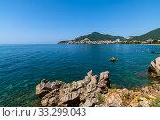 Купить «A popular resort on the Adriatic in Budva,Montenegro», фото № 33299043, снято 12 июня 2019 г. (c) Володина Ольга / Фотобанк Лори