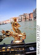 Купить «Detail of typical venitian gondola on water», фото № 33317227, снято 29 марта 2020 г. (c) PantherMedia / Фотобанк Лори