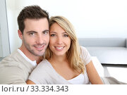 Portrait of smiling thirty-year-old couple. Стоковое фото, фотограф Fabrice Michaudeau / PantherMedia / Фотобанк Лори