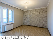The interior of an empty, freshly renovated room in a new building without furniture. Стоковое фото, фотограф Иванов Алексей / Фотобанк Лори