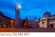 Night cityscape of Italian Trento (2019 год). Редакционное фото, фотограф Яков Филимонов / Фотобанк Лори