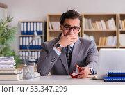 Sad man in online dating concept. Стоковое фото, фотограф Elnur / Фотобанк Лори