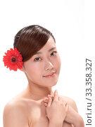 Купить «Facial makeup of young asian beautiful woman on white background», фото № 33358327, снято 26 мая 2020 г. (c) age Fotostock / Фотобанк Лори