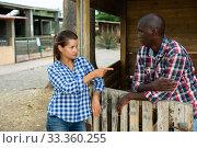 Купить «Woman having unpleasant talk with neighbour», фото № 33360255, снято 14 июля 2020 г. (c) Яков Филимонов / Фотобанк Лори