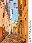 Купить «Street in Santarcangelo di Romagna town», фото № 33360659, снято 26 февраля 2020 г. (c) Роман Сигаев / Фотобанк Лори