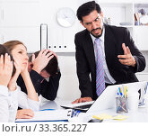 Купить «Outraged manager with colleagues at meeting», фото № 33365227, снято 30 марта 2020 г. (c) Яков Филимонов / Фотобанк Лори