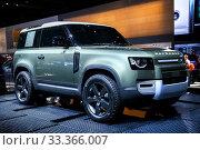 Купить «Land Rover Defender», фото № 33366007, снято 17 сентября 2019 г. (c) Art Konovalov / Фотобанк Лори