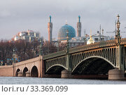 Купить «Троицкий мост и вид на соборную мечеть. Санкт-Петербург», фото № 33369099, снято 6 марта 2020 г. (c) Румянцева Наталия / Фотобанк Лори