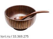 Купить «Cedar wood bowl with a spoon on a white background isolated», фото № 33369275, снято 13 марта 2020 г. (c) Наталья Волкова / Фотобанк Лори