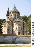 Церковь в православном монастыре Ново-Хопово в Сербии (2012 год). Стоковое фото, фотограф Солодовникова Елена / Фотобанк Лори