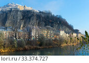 View on hills of Grenoble with colorful houses in France (2017 год). Стоковое фото, фотограф Яков Филимонов / Фотобанк Лори