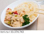 Купить «Thai Red Curry with rice», фото № 33374743, снято 31 мая 2020 г. (c) Яков Филимонов / Фотобанк Лори
