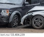 Купить «ДТП двух иномарок», фото № 33404239, снято 20 марта 2020 г. (c) Сайганов Александр / Фотобанк Лори