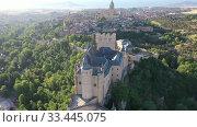 Купить «Aerial view of fortress Alcazar of Segovia. Spain», видеоролик № 33445075, снято 17 июня 2019 г. (c) Яков Филимонов / Фотобанк Лори