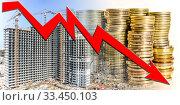Купить «Красная стрелка на фоне строительства и денег . Концепция кризиса в строительном бизнесе  .», фото № 33450103, снято 30 марта 2020 г. (c) Сергеев Валерий / Фотобанк Лори