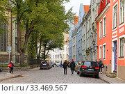 Купить «Famous Old Town in autumn. Таллинн, Эстония», фото № 33469567, снято 21 сентября 2010 г. (c) Валерия Попова / Фотобанк Лори