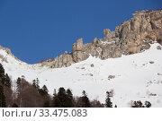 Купить «Beautiful mountains covered with snow. Sunny day and blue sky on a frosty day», фото № 33475083, снято 5 марта 2019 г. (c) Олег Хархан / Фотобанк Лори